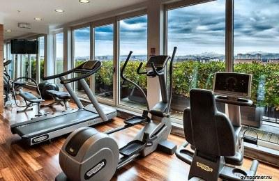 """GymPartner söker gymägare till exklusivt """"Hotellgym"""" med havsutsikt och 7 meter i takhöjd."""